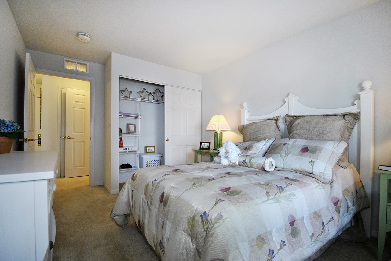 Swanhaven Manor bedroom