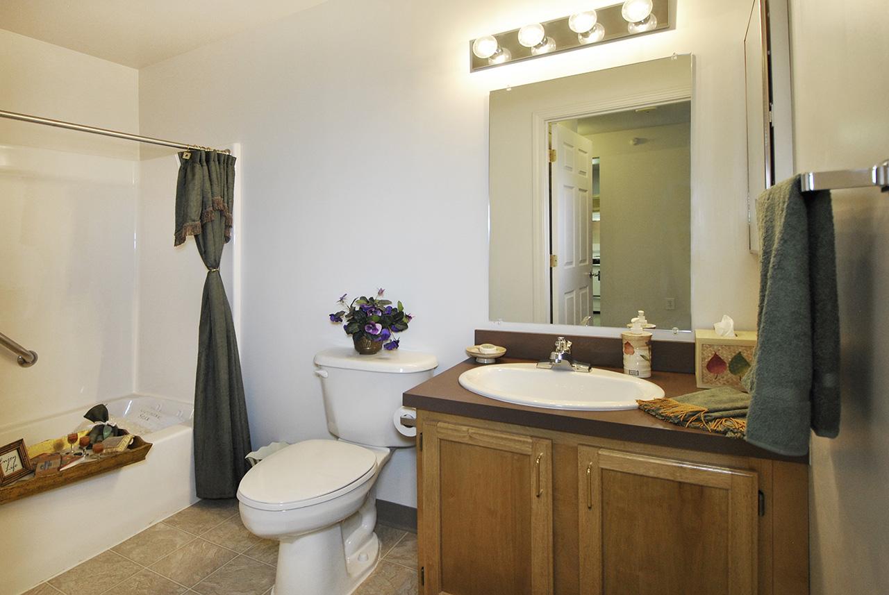 Bathroom at Swanhaven Manor
