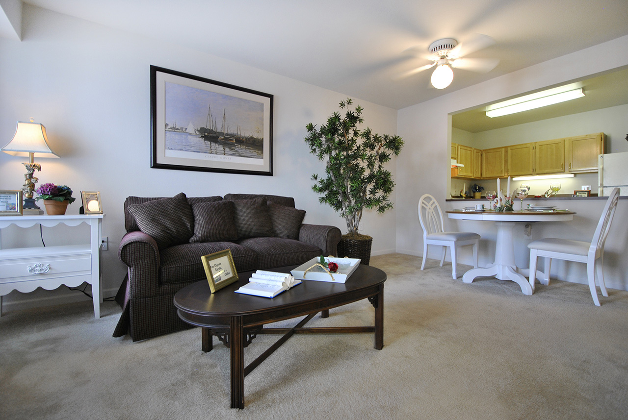 Interior living space at Swanhaven Manor apartment home