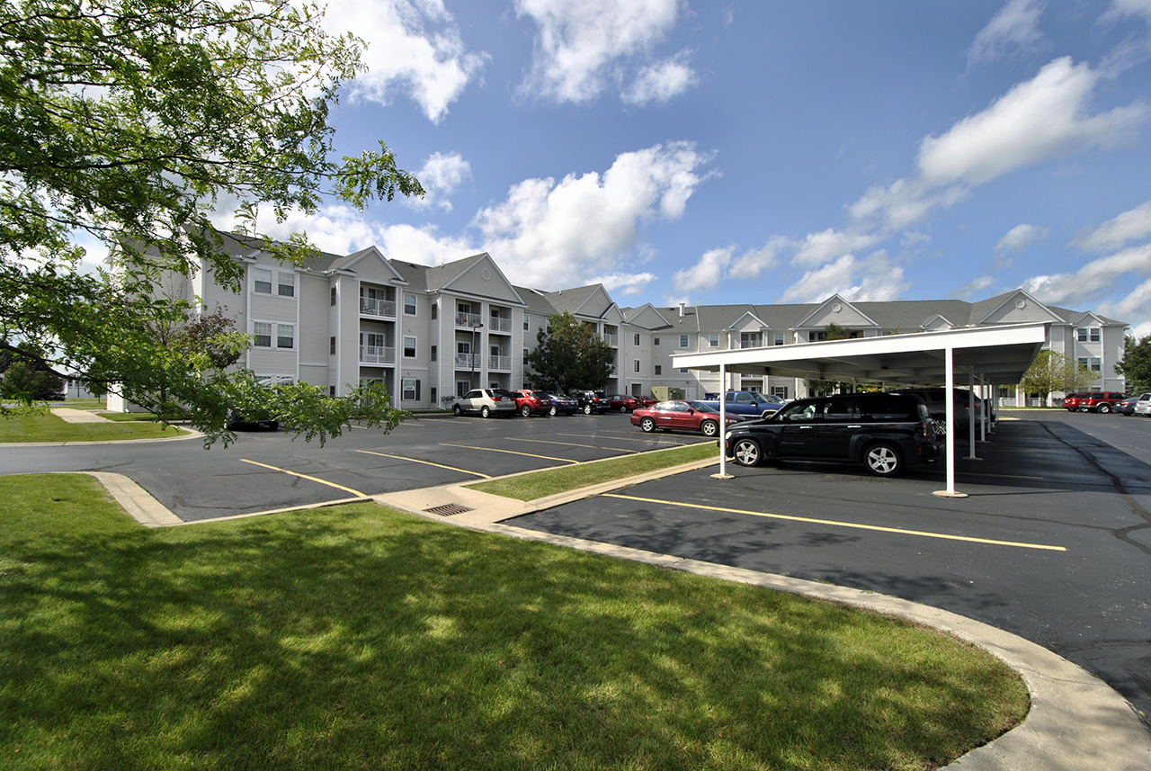 Swanhaven Manor parking lot and exterior buildings
